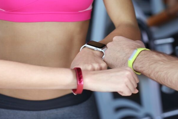 Smart Watch Vs Fitness Tracker: What Should You Buy?